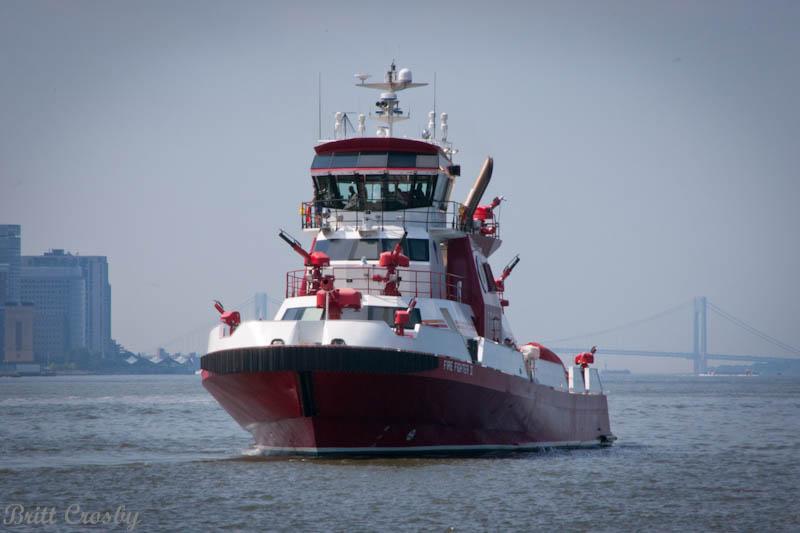 New York FDNY Boats 10