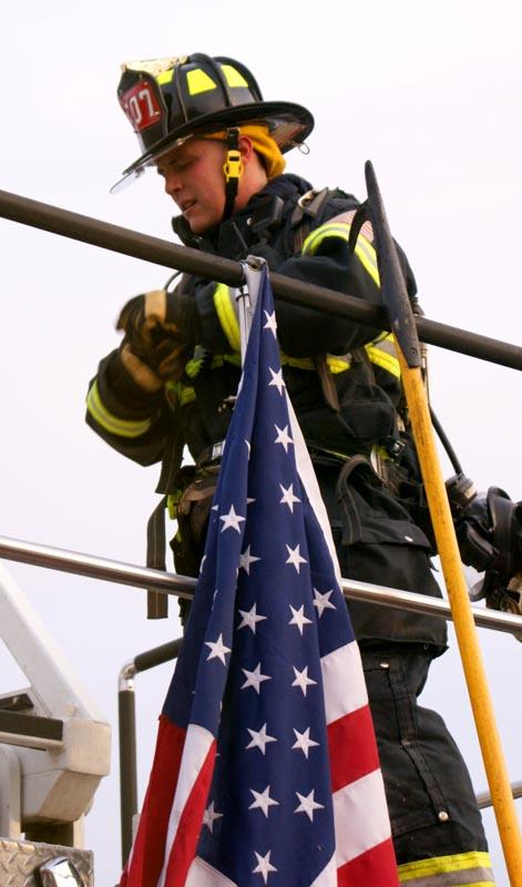 Peck S Boat Yard Fire 031611